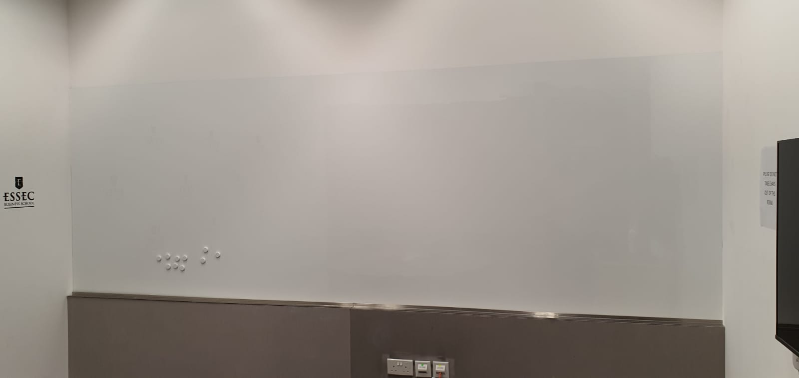 Visual Magnetics Whiteboard System At Business School